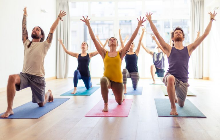 Yoga para adultos: la brisa de la conciencia